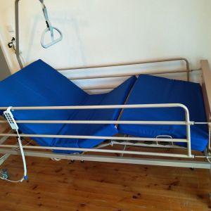 Νοσοκομειακό κρεβάτι πολυσπαστο ηλεκτροκίνητο 5 κινήσεων