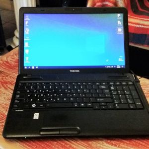 Laptop TOSHIBA i5 15.5 LED
