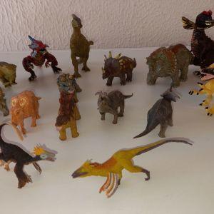 Δεινόσαυροι φιγούρες
