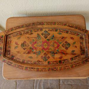 Δίσκος σερβιρίσματος ξύλινος ζωγραφιστός, προπολεμικός. Διαστάσεις 50χ24 εκατοστά