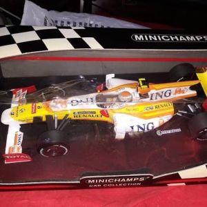 F1 RENAULT R29 No 8 RACE VERSION 2009 N.PIQUET / MINICHAMPS / 1:18 / DIECAST
