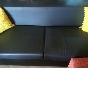 Πωλείται δερμάτινος καναπές 3θέσιος