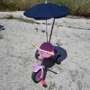 παιδικό τρίκυκλο με ομπρέλα