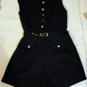 Μαύρη κοντή ολόσωμη φόρμα