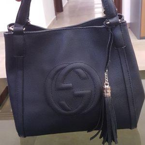 Τσάντα μαύρη δερμάτινη Gucci hobo soho