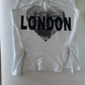 πωλείται καινούργια μπλούζα