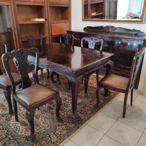 Τραπεζαρία με έξι καρέκλες από μασιφ ξύλο