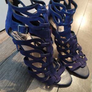 Vince Camuto 40 size