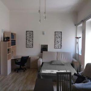 Ενοικιάζεται επιπλωμένο και πλήρως εξοπλισμένο οροφοδιαμέρισμα στην Ερμούπολη