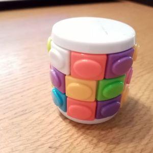Παιχνιδάκι τύπου κύβος του ρουμπικ