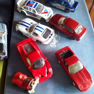12 αυτοκινητακια Μεταλικα