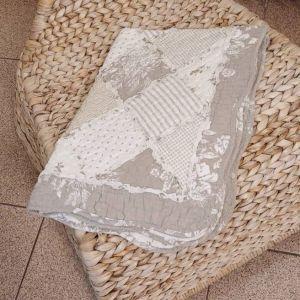 Διακοσμητική μαξιλαροθήκη πάτσγουορκ καπιτονέ