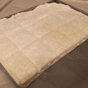 ( τιμή 30 ΤΜΧ) χειροποίητες πίτες χωριάτικες 15 ή 30 κομμάτια ωμές έτοιμες για ψήσιμο 1 με 1,5 κιλό (τα 30 κομμάτια)  ...