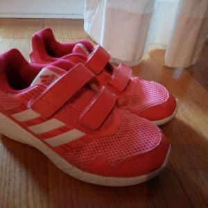 Adidas ν32