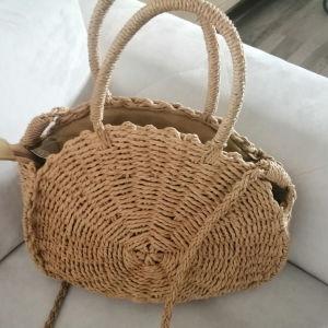 Στρογγυλή ψαθινη τσάντα με φερμουάρ
