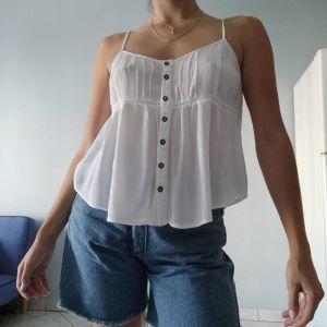 Ασύμμετρο μπλουζάκι λευκό attrattivo