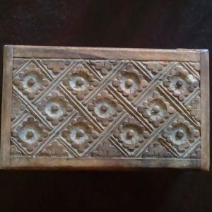 Ξύλινο σκαλιστό κουτί από Ινδονησία
