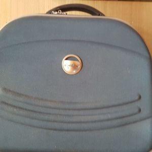 Τσάντα νεσεσέρ