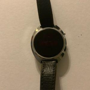 Ρολόι χειρός LED Times 1974 μεσαίο μέγεθος