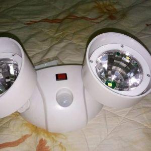 Ασυρματα Φωτα-Προβολακια Με Ανιχνευτη Κινησης