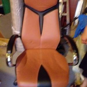 Πωλείται καρέκλα γραφειου