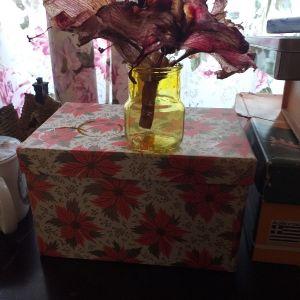 Βαζακι λουλουδιων.