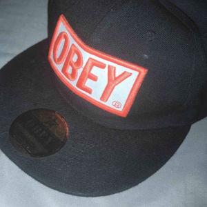 πωλείται καπέλο obey αχρησιμοποίητο