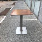 Τραπέζι ξύλινο με σιδερένια βάση