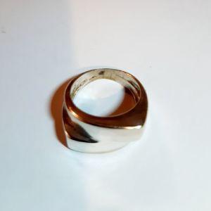 Ασημενιο 9.25 δαχτυλιδι