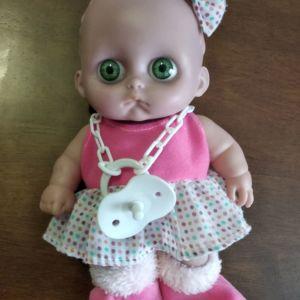 Χαρίζεται μωρό κούκλα