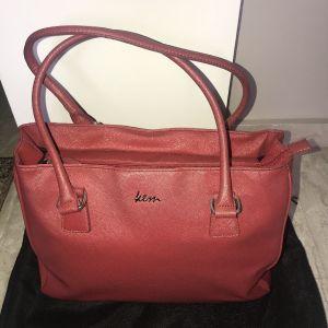 Kem δερμάτινη κόκκινη τσάντα