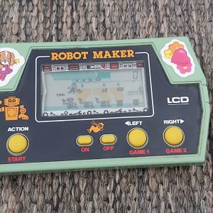 TAKATOKU TOYS ROBOT MAKER Vintage JAPAN1982 LCD
