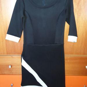 Φόρεμα μαύρο με λευκά στοιχεία