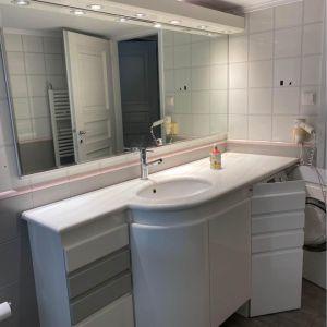 Επιπλο μπάνιου  Κυπριώτης με Μαρμαρο Διονύσου  με νιπτήρα 1,80χ60 και καθρέπτη με 6 σποτ