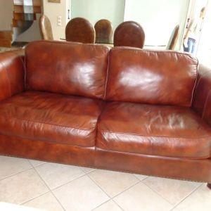 Πωλείται 3θέσιος δερμάτινος καναπές