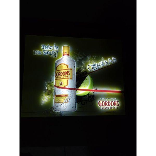 fotizomeni tampela-korniza Gordon's gin
