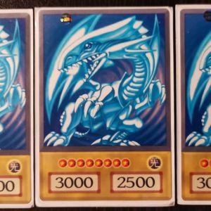 Yugioh κάρτες, άσπρος δράκος με τα μπλε μάτια Χ3
