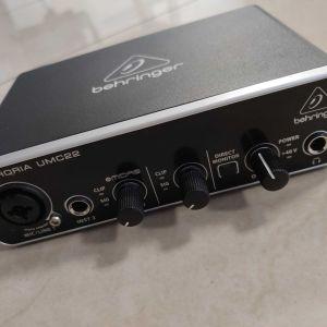 U-Phoria UMC22 + DBX 286S