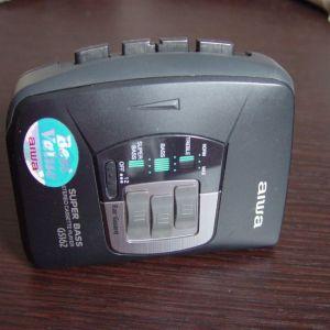 Aiwa Walkman Style Personal Cassette Player Super Bass GS162