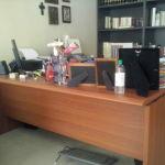 διευθυντικο γραφειο με τροχηλατη συρταριερα