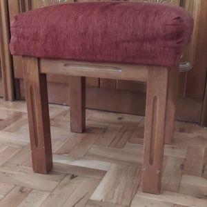 Σκαμπό με ενσωματωμένο μαξιλαράκι- κάθισμα