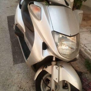 Σκουτερ Hoda foreshite 250cc μοντελο 2003 38000 χιλ. 1000 euro  συζητησιμη