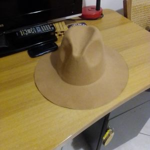 Καπέλο μπεζ καφέ ολοκαίνουργιο