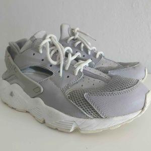 Nike Huarache γκρι γυναικεία