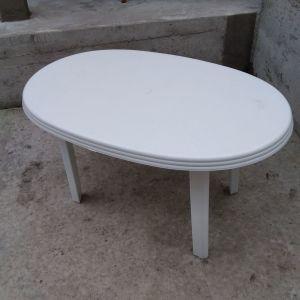 Πωλείται τραπέζι πλαστικό