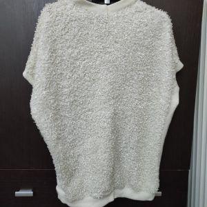 Κοντομανικο άσπρο πουλόβερ.