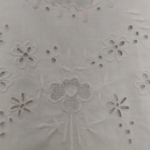 Αντικα (100ετων) χειροποίητη λευκή μπλούζα.