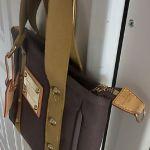 Τσάντα χεριου αυθεντική Louis Vuitton σε άψογη κατάσταση.