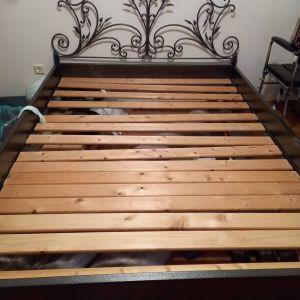 1 Κρεβάτι Διπλό Μεταλλικό / Με Τάβλες 150x200cm
