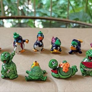 2 σειρές kinder, πιγκουινάκια και χελωνάκια 1992 - 93